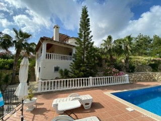 Avsallar / detached luxury villa in incekumda 4+2 Alanya