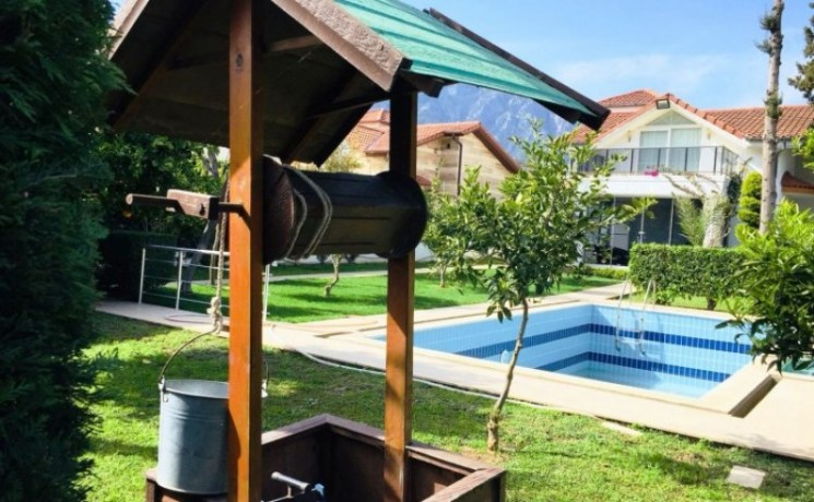 kemer-house-for-sale-with-pool-in-town-center-big-1
