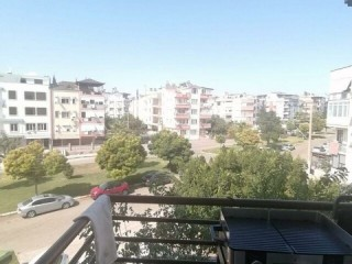APARTMENT FOR SALE ON FLOOR WITH SEPARATE KITCHEN BEHIND ASAT IN GÜLVERENDE