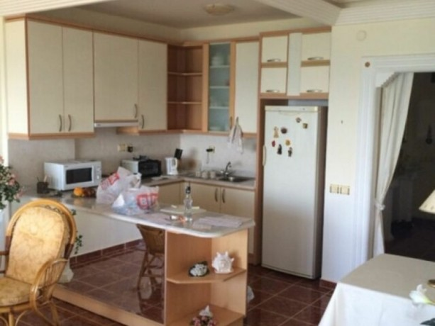 apartment-on-the-beach-in-tosmur-big-10
