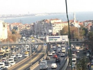 Close to D100 Highway and Metrobüs bus stop, has elevator Istanbul bargain