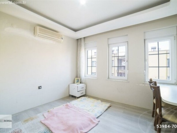 theres-no-bigger-apartment-in-the-square-62-320-m2-big-7