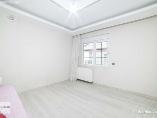 theres-no-bigger-apartment-in-the-square-62-320-m2-big-12