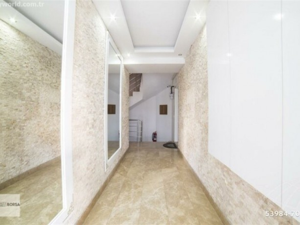 theres-no-bigger-apartment-in-the-square-62-320-m2-big-13