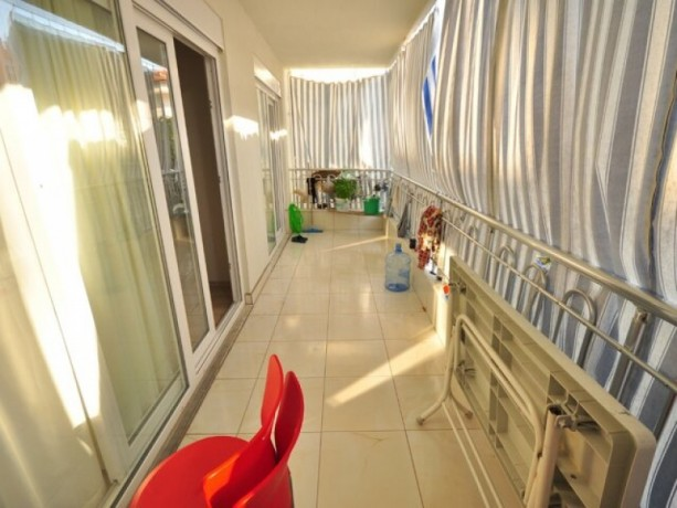 ilica-lux-for-sale-2-1-high-entrance-behind-the-sunday-bazaar-big-11