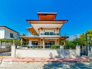 6 Bedrooms Detached Villa For Sale In Antalya, Kemer, Goynuk