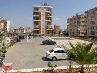 3+1 LARGE APARTMENT FOR SALE ON SITE WITH POOL IN VARSAK KARŞIYAKA