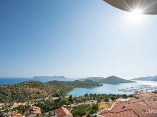 2+1 APARTMENT FOR SALE WITH SEA VIEWS IN CENTER OF KAS