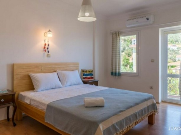 21-apartment-for-sale-with-sea-views-in-center-of-kas-big-4