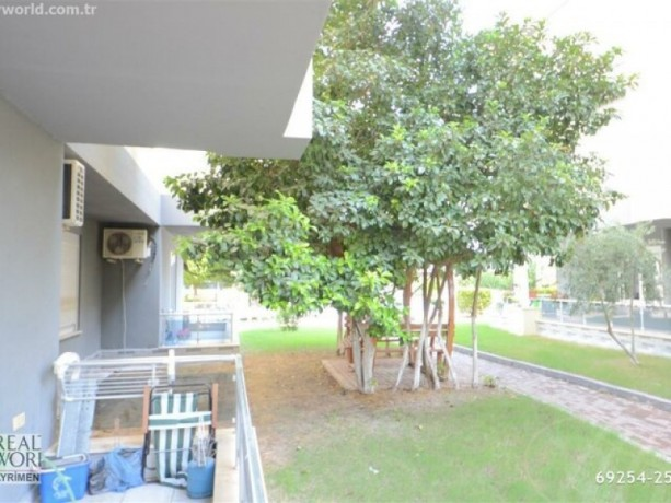 11-high-entrance-for-sale-in-konyaalti-in-site-with-pool-close-to-beach-big-2