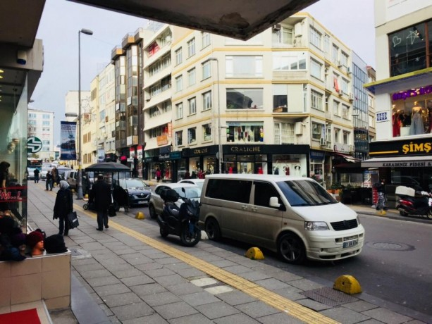 kadikoy-350-sqm-shop-for-rent-in-istanbul-in-busy-district-big-2