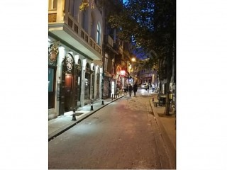 Taksim Complete Building For Rent Renovated With 7 Rooms and Shops