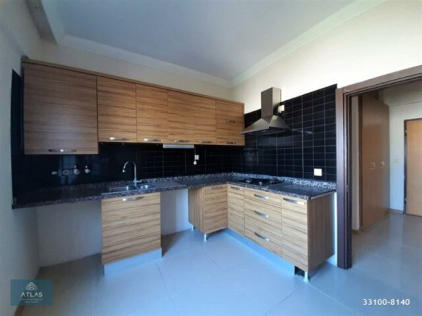 2-1-apartment-with-separate-kitchen-on-site-with-pool-in-guzeloba-big-3