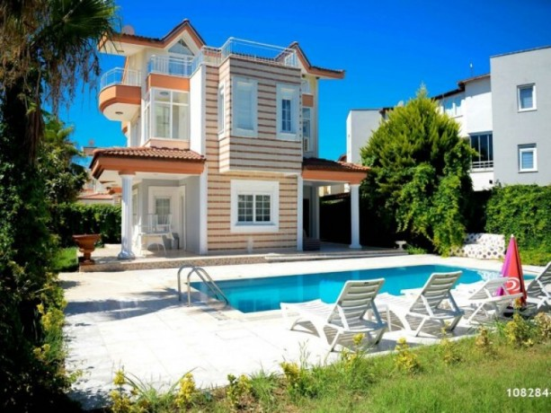 villa-for-rent-with-private-pool-sheltered-between-belek-kadriye-big-2
