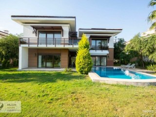 5+1 detached Villa for sale in Belek Kadriye in Antalya