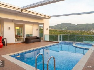 FOR DAILY WEEKLY MONTHLY RENT ULTRA LUXURY VILLA WITH POOL AND SAUNA