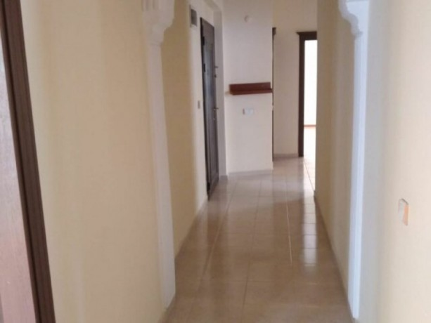 unfurnished-31-apartment-on-the-elevator-floor-in-public-works-big-3