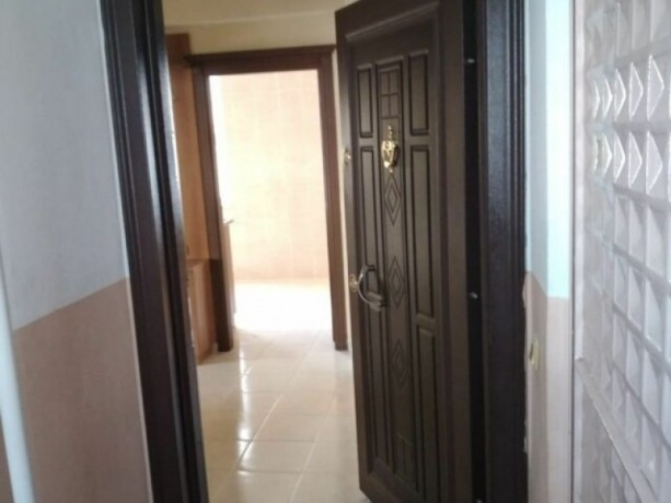 unfurnished-31-apartment-on-the-elevator-floor-in-public-works-big-0