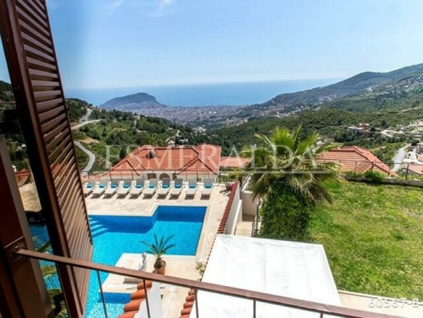 private-villa-with-swimming-pool-for-rent-in-alanya-tepe-district-big-3