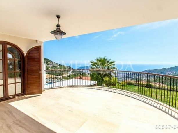 private-villa-with-swimming-pool-for-rent-in-alanya-tepe-district-big-8