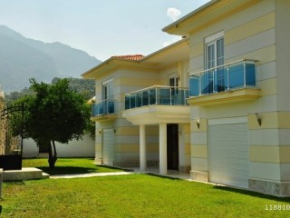 TURKISH VILLA 6 BEDROOMS WITH POOL FOR WEEKLY RENT IN KEMER