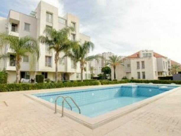 4-1-luxury-apartment-with-security-pool-in-gursu-big-6