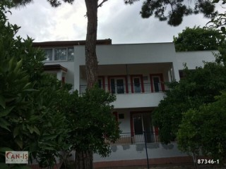 19 rooms pension with garden for sale in Kemer beach and holiday resort