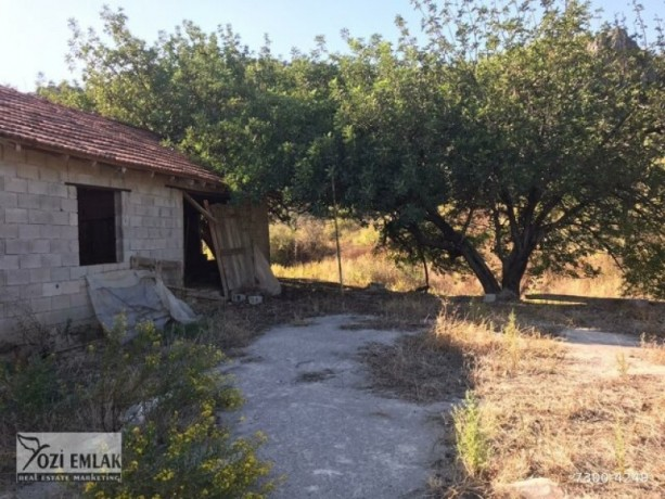 26000-m2-antalya-aksu-karaoz-house-and-land-for-sale-in-the-village-big-1