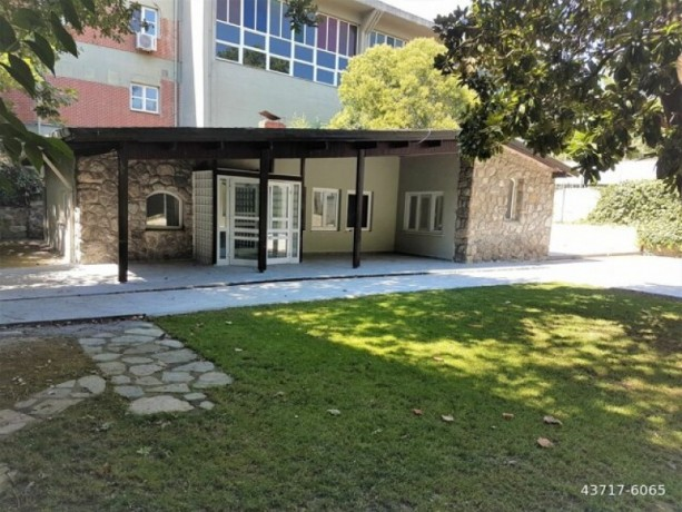 istanbul-sariyer-bahcekoy-kemer-1100m2-garden-villa-for-rent-big-3