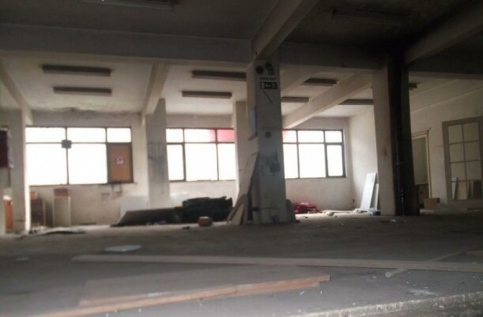building-for-rent-on-the-street-big-0