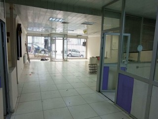 4-COMPARTMENT OFFICE STORE WITH LARGE FACADE, DETACHED IN THE CENTER OF SARIYER, ETC.