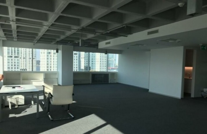 maintained-office-floor-in-maslak-plaza-big-1