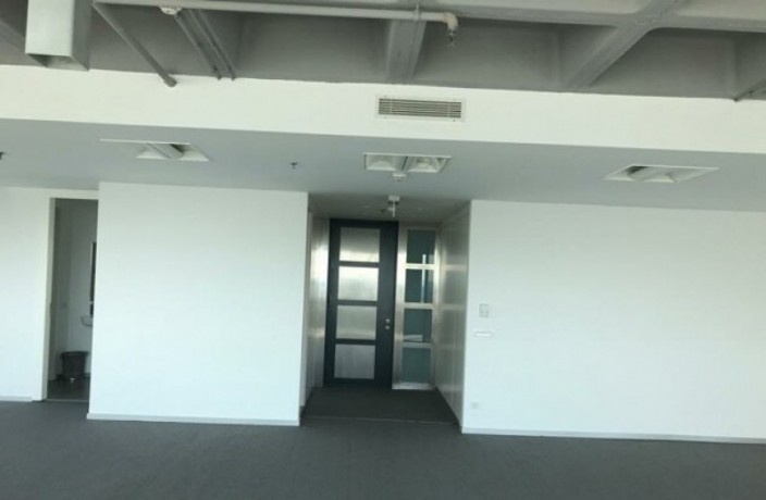 maintained-office-floor-in-maslak-plaza-big-9