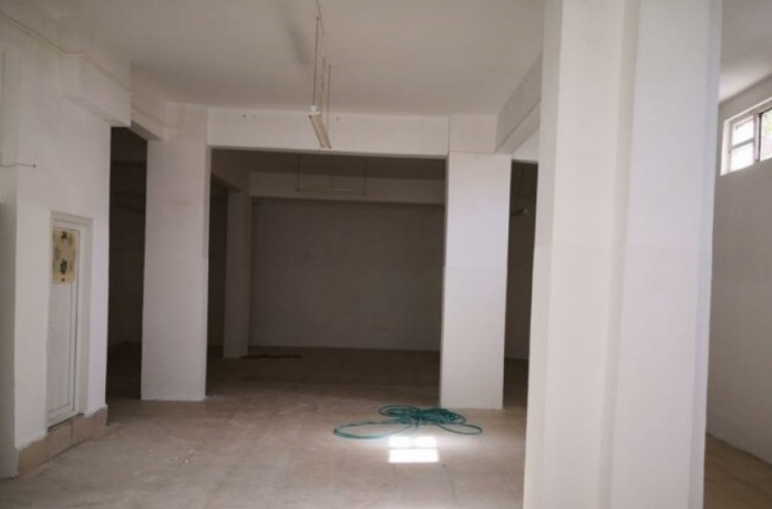 350-m2-shop-for-rent-on-guzelyali-main-street-big-2