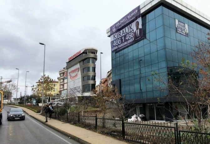 istanbul-cekmekoy-mehmet-akif-1000m2-garden-plaza-with-highway-facade-advertising-power-very-high-big-0