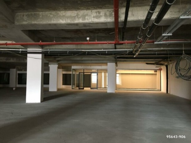 istanbul-besiktas-levent-750m2-workplace-with-high-street-big-2