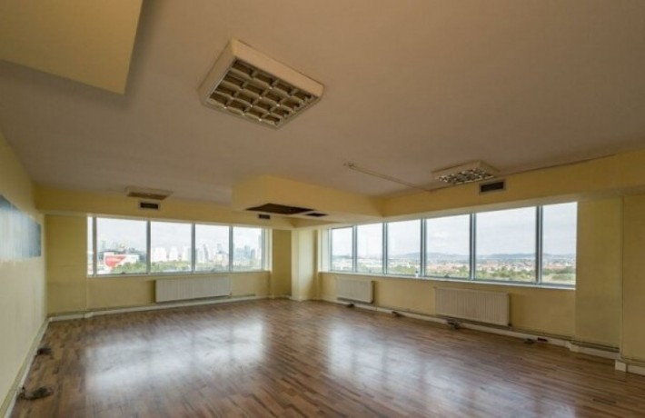 istanbul-kagithane-sultan-selim-4-1100-m2-rental-office-floor-with-street-facade-in-levent-big-1