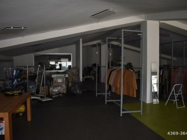 ugurmumcu-also-900m2-vat-loft-manufacturing-workshopstore-big-2