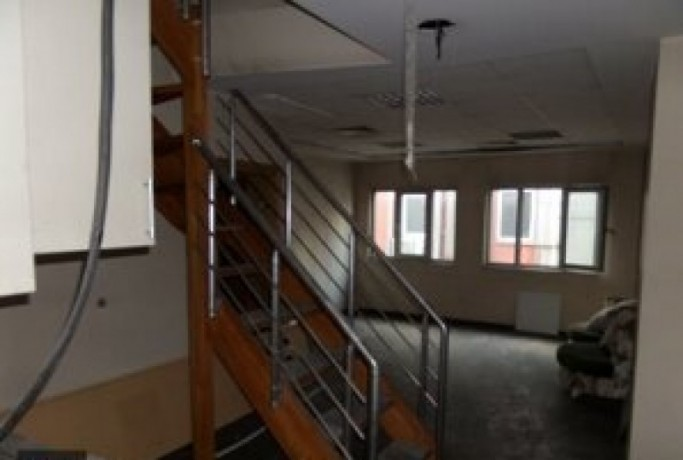 635m2-office-floor-with-fire-stairs-big-6