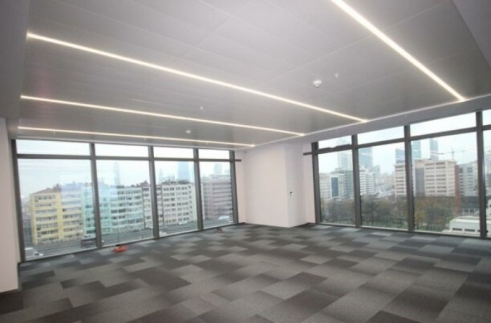 410m2-decorated-office-in-torun-plaza-big-0