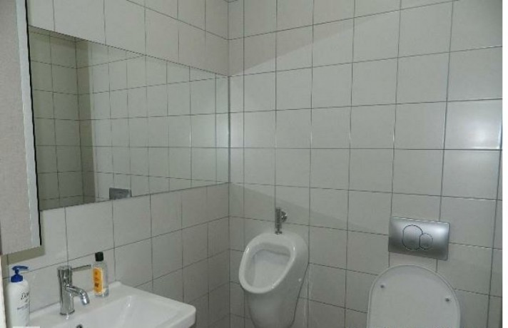 133-m2-well-maintained-office-floor-big-4