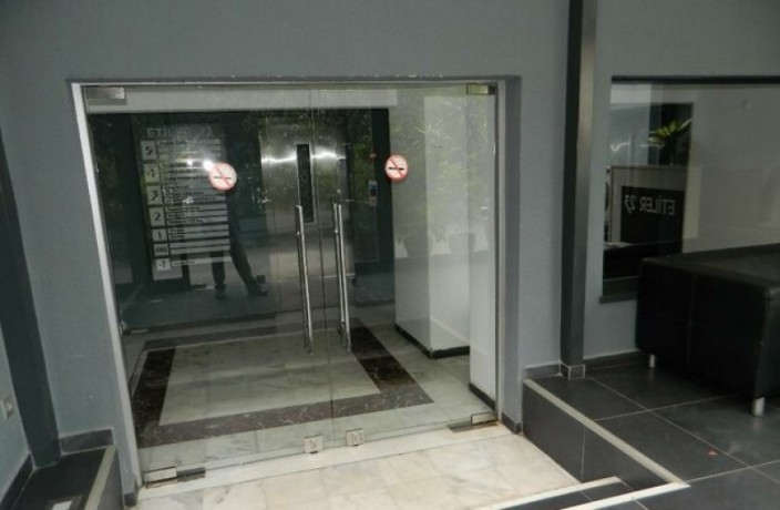133-m2-well-maintained-office-floor-big-1