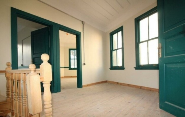 rock-anew-zero-historic-building-on-s-unkapani-skopje-street-big-2