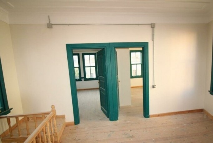 rock-anew-zero-historic-building-on-s-unkapani-skopje-street-big-7