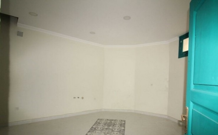 rock-anew-zero-historic-building-on-s-unkapani-skopje-street-big-4