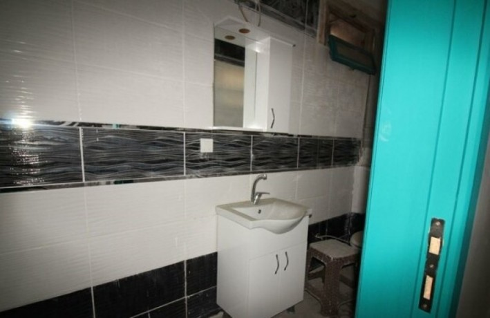 rock-anew-zero-historic-building-on-s-unkapani-skopje-street-big-1