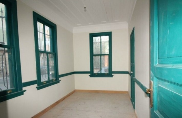 rock-anew-zero-historic-building-on-s-unkapani-skopje-street-big-0