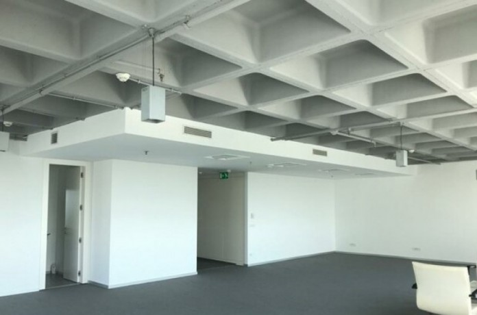 maintained-office-floor-in-maslak-plaza-big-4