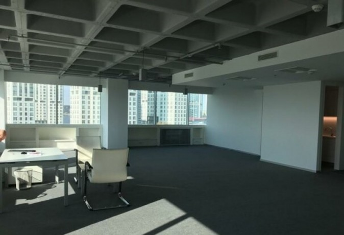 maintained-office-floor-in-maslak-plaza-big-0