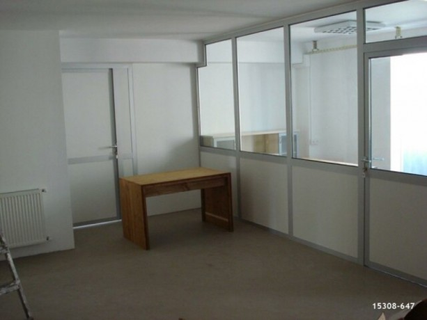 42-300m2-office-with-fire-escape-big-3